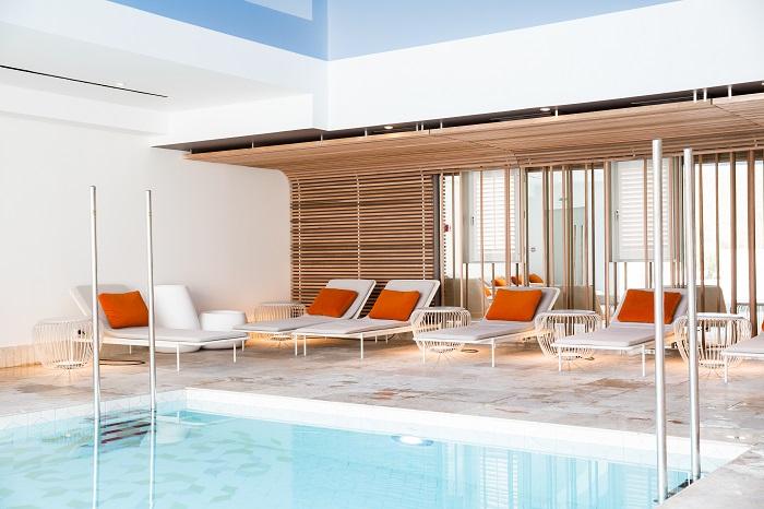 les 10 plus beaux spas de france architectes paris. Black Bedroom Furniture Sets. Home Design Ideas