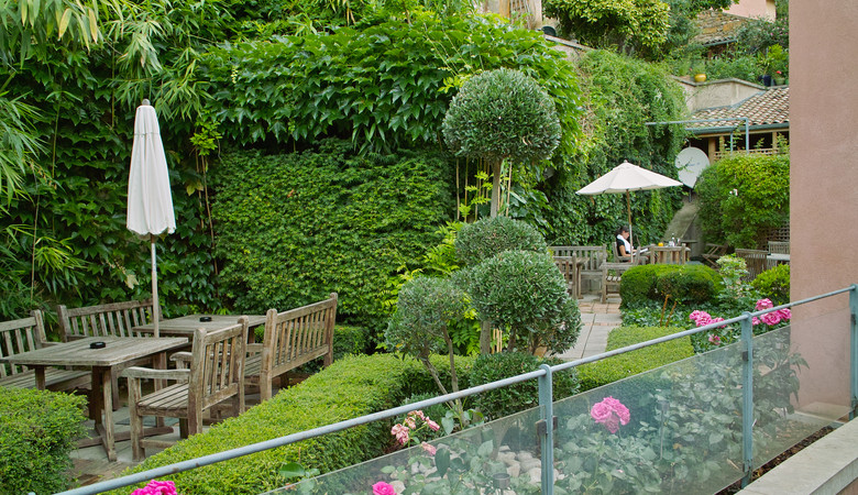Les 10 plus beaux spas de france architectes paris for Jardin cour