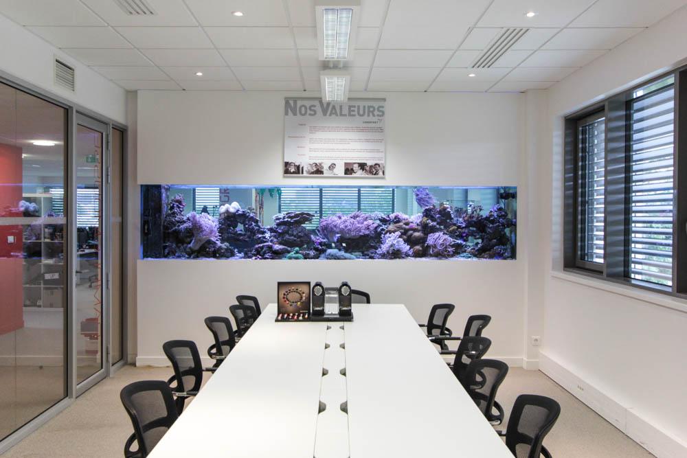 bureaux à l'honneur : Linkbynet salle de réunion