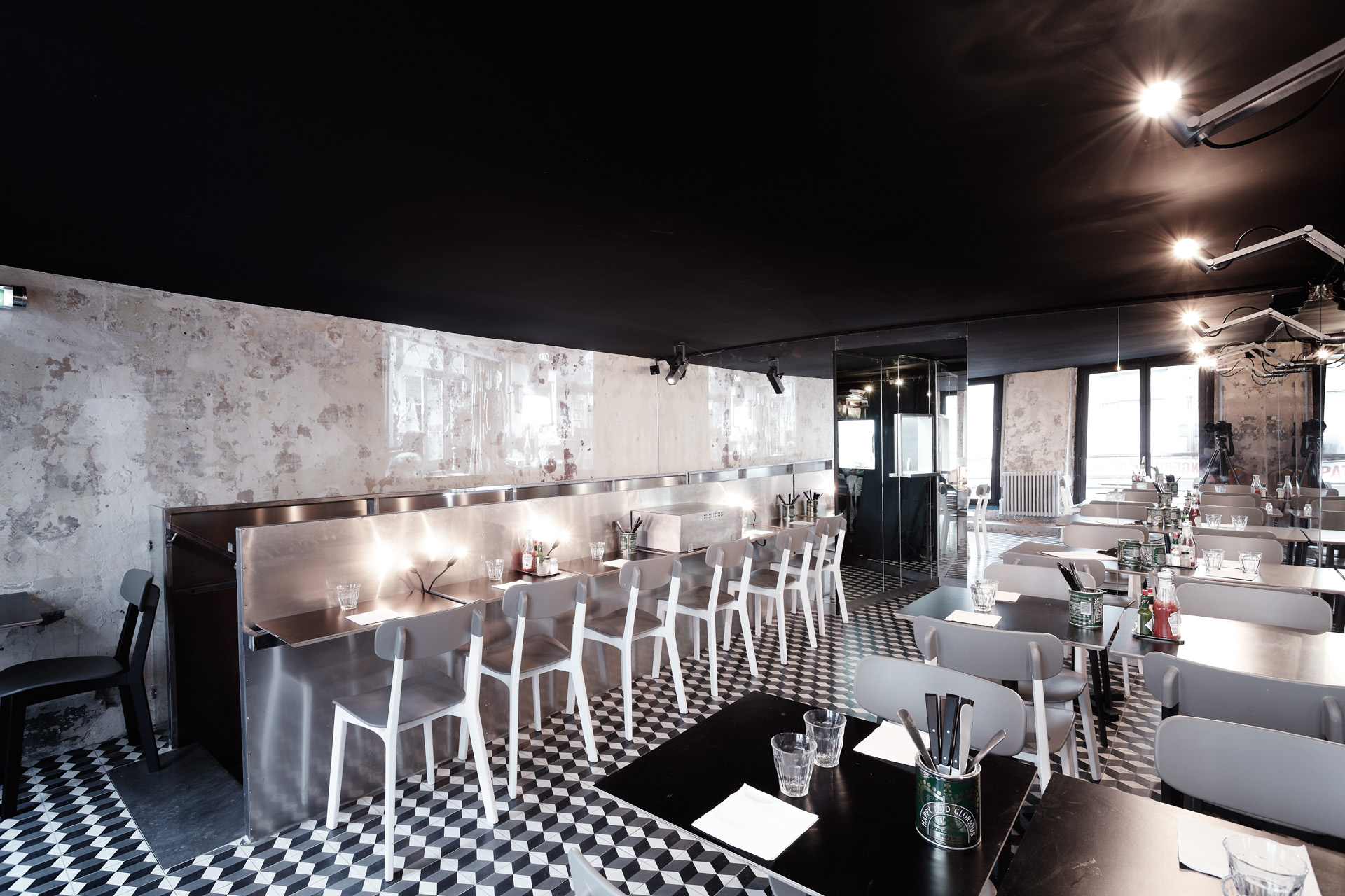 10 restaurants parisiens voir absolument architectes paris. Black Bedroom Furniture Sets. Home Design Ideas