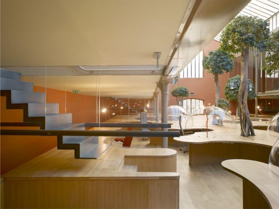 bureaux à l'honneur : PONS & HUOT Green Office détail sur l'escalier
