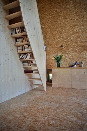 plus belles maisons : Maison près du sapin détail de l'escalier
