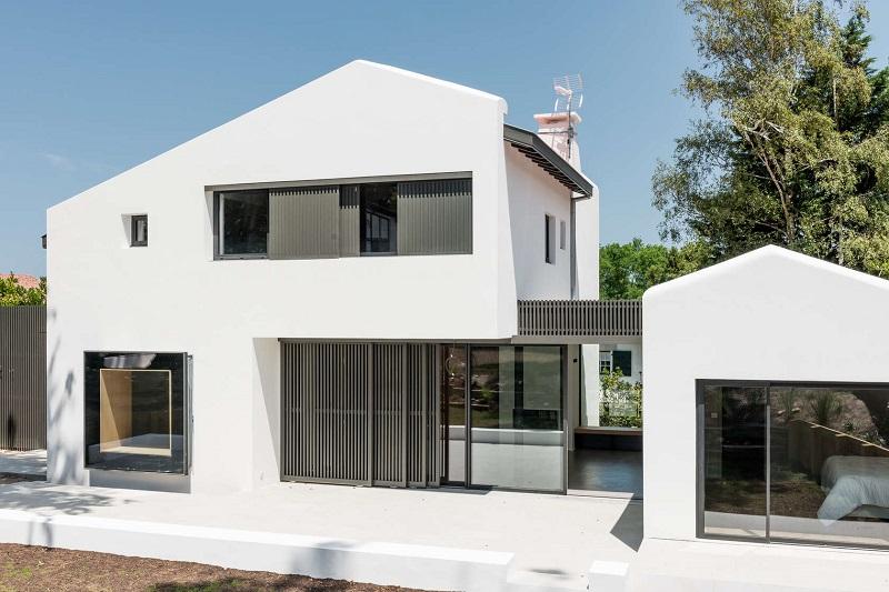 les plus belles maisons de france affordable construire sa maison budget les plus belles. Black Bedroom Furniture Sets. Home Design Ideas