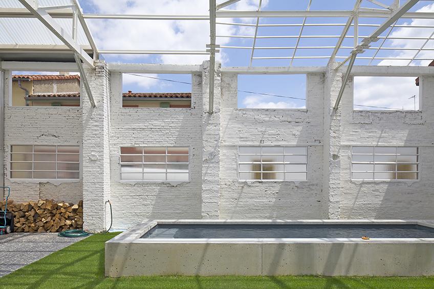 plus belles maisons : Maison Martel vue de la piscine