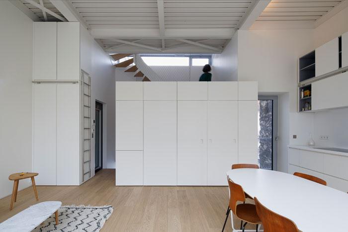 Plus belles maisons de paris : projet de Hardel + LeBihan Architectes vue du salon