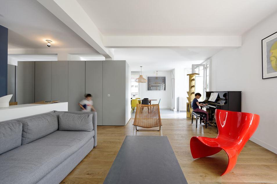Plus belles maisons de paris : projet de Ulli Heckmann & Eitan Hammer Architectes vue du salon