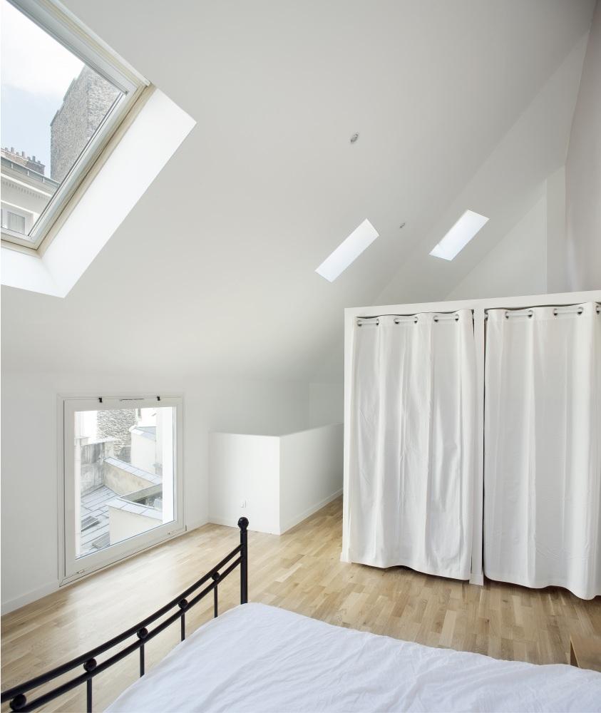 Plus belles maisons de paris : projet de Antonini Darmon Architecture vue de la chambre