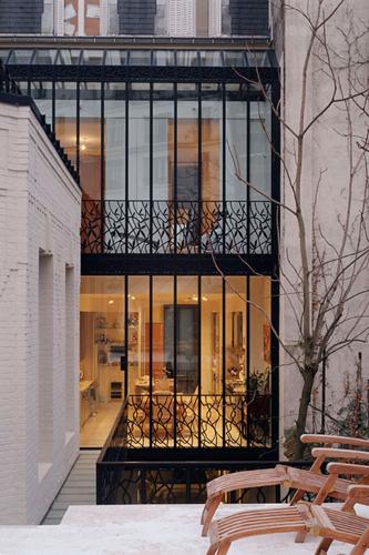 Hôtels particuliers de Paris : réalisé par Lankry architectes, vue de la façade