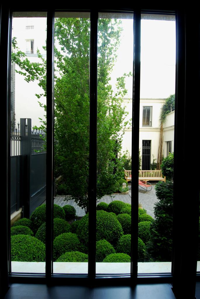Hôtels particuliers de Paris : réalisé par Wilmotte, vue de la terrasse