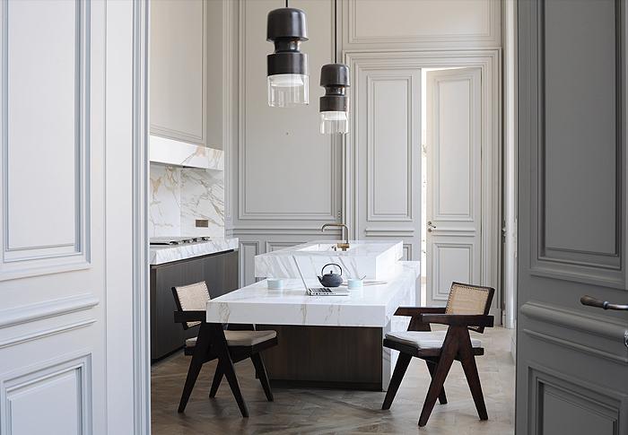 Hôtels particuliers de Paris : réalisé par Joseph Dirand, vue de la cuisine