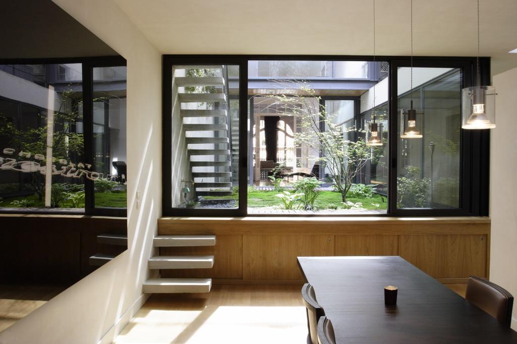 Hôtels particuliers de Paris : réalisé par mka architecture, vue du salon