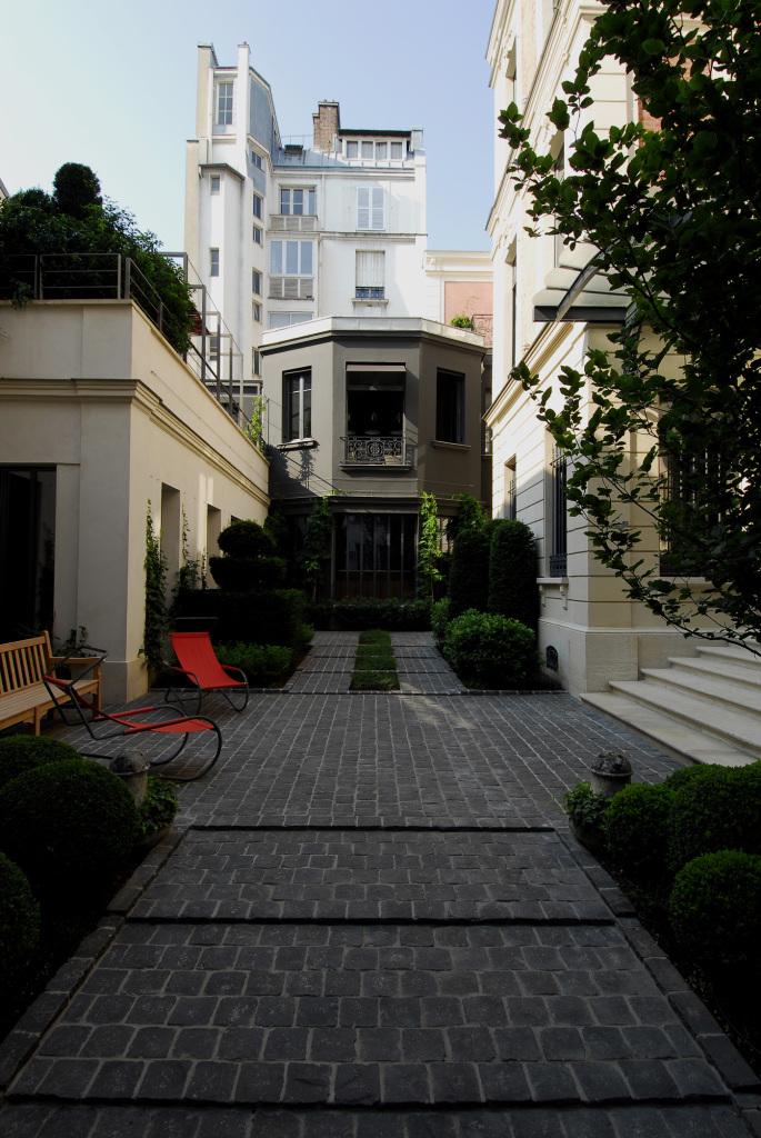 Hôtels particuliers de Paris : réalisé par wilmotte, vue de la façade