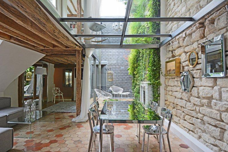 les 10 r novations de l 39 ann e paris architectes paris. Black Bedroom Furniture Sets. Home Design Ideas