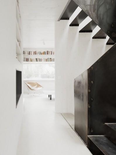 marly_house_maison_région_parisienne_agence_karawitz_escalier